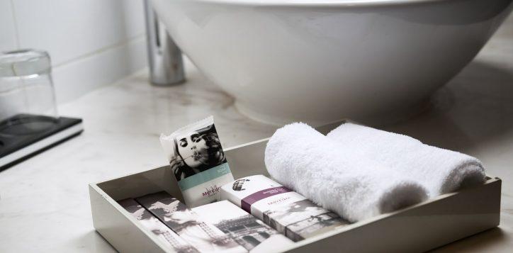 bathroom-amenities-fullsize-1-2