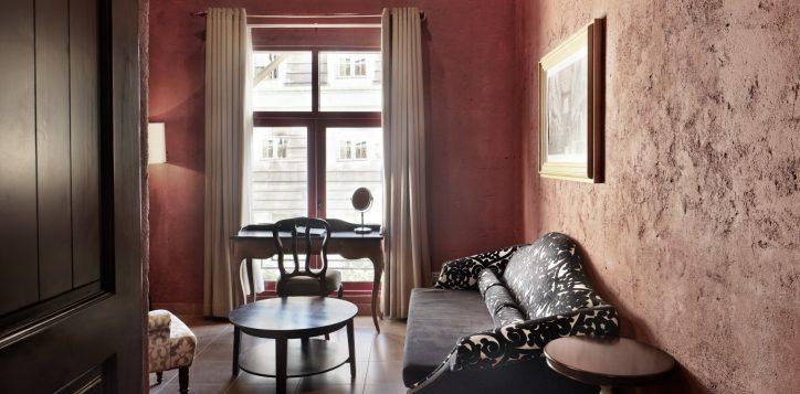 duplex-suites-livingroom-fullsize-2